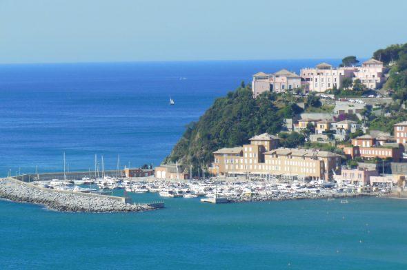 In Liguria consentite le uscite in barca in più di due persone. Ma purché siano conviventi